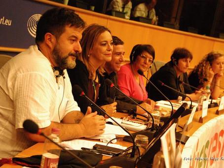 """Paz En Construcción en la confrencia en el Parlamento Europeo: """"El papel de la mujer en la Resi"""