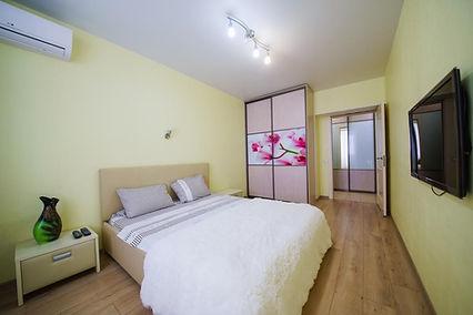 Двухкомнатная квартира посуточно в мкр Радужный Иркутск.
