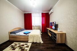 Двухкомнатная квартира посуточно на Байкальской, 214