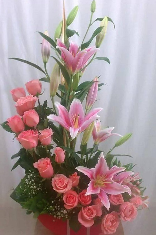 Pink roses with pink Lilys