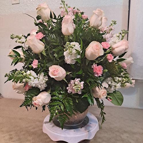 Roses with snapdragon mini carnations