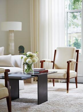 De Santaren white living room
