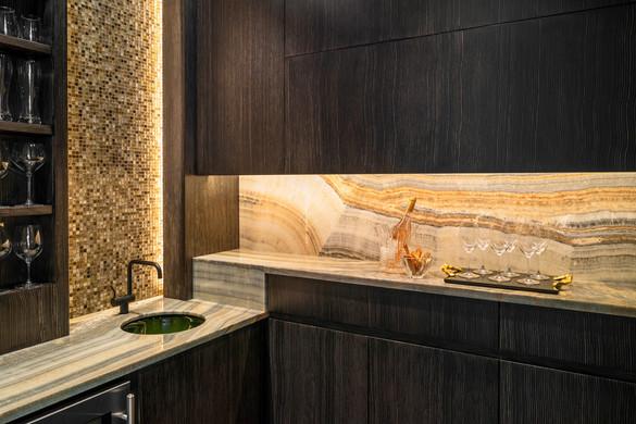 Marcus Gleysteen bar detail