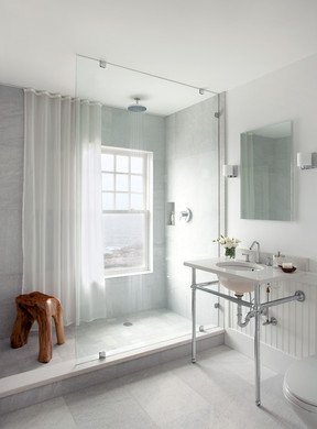 Dennis Duffy white bathroom