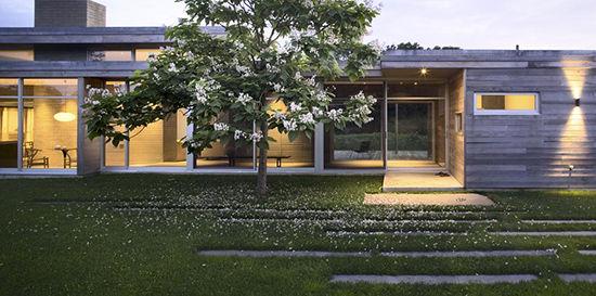 Reed-Hilderbrand-Westport-River-House.jp