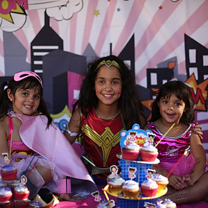Jasmine, Lucy and Sarah's Super Birthday Party!