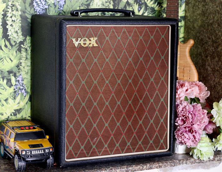 Loa ampli guitar Vox T15 cho đàn thùng và Bass