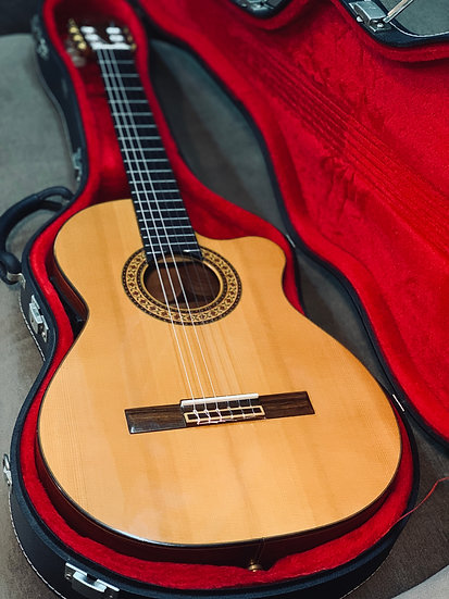 Guitar classic Tây ban nha AntonioSanchez Professional Mod 3450 Ano 2002.