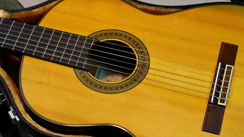 Guitar classic Yamaha CG171S Spruce Top Solid .