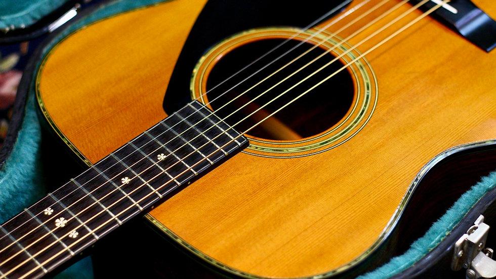 Guitar 𝗬𝗮𝗺𝗮𝗵𝗮 𝗙𝗚-𝟰𝟬𝟯 𝗹𝗶𝗺𝗶𝘁𝗲𝗱 acoustic guitar 1980.