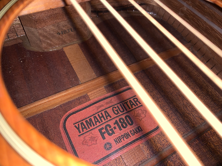 Guitar acoustic Yamaha FG180 red lable vintage 1960s.
