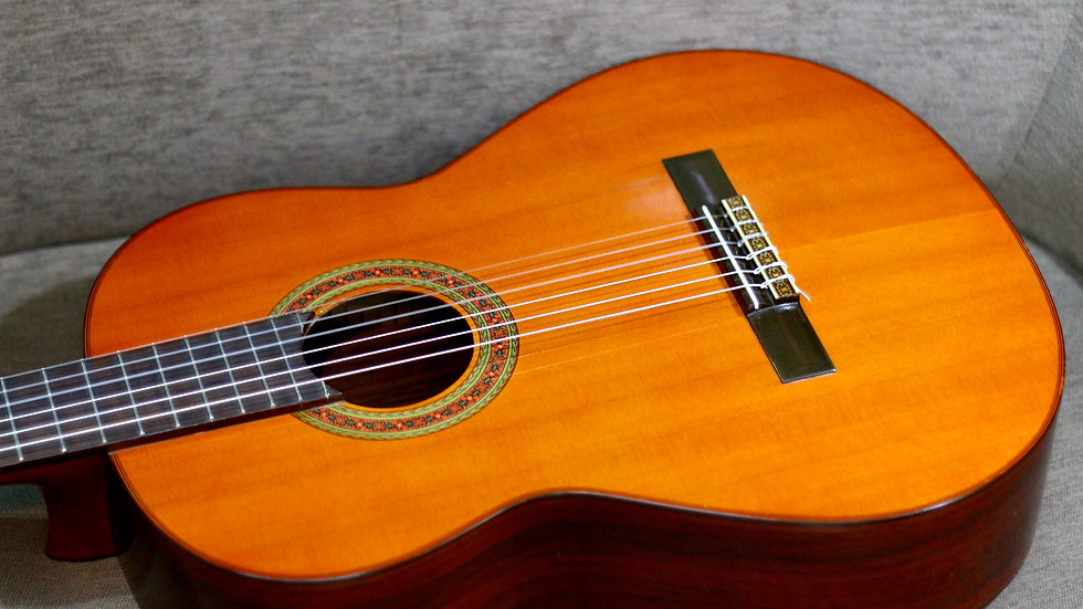 Guitar classic Yamaha G220A top solid vintage 1970s .