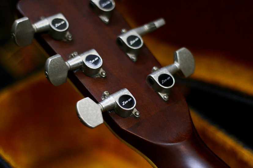 Guitar acoustic Zen-on Folk guitar RW250 Made in Japan .