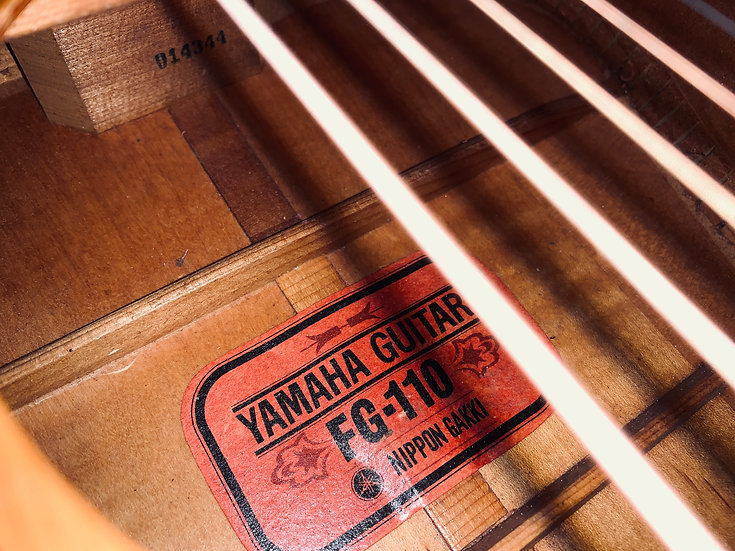 Yamaha FG110Red lable vintage 1960s.