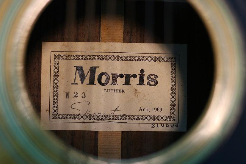 Guitar Morris W23 tem vuông cổ từ năm 1969.