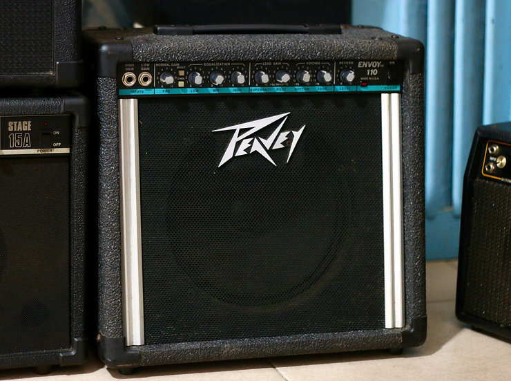 Loa ampli guitar #Peavey envoy 110 A product of analog engineering Made in USA .