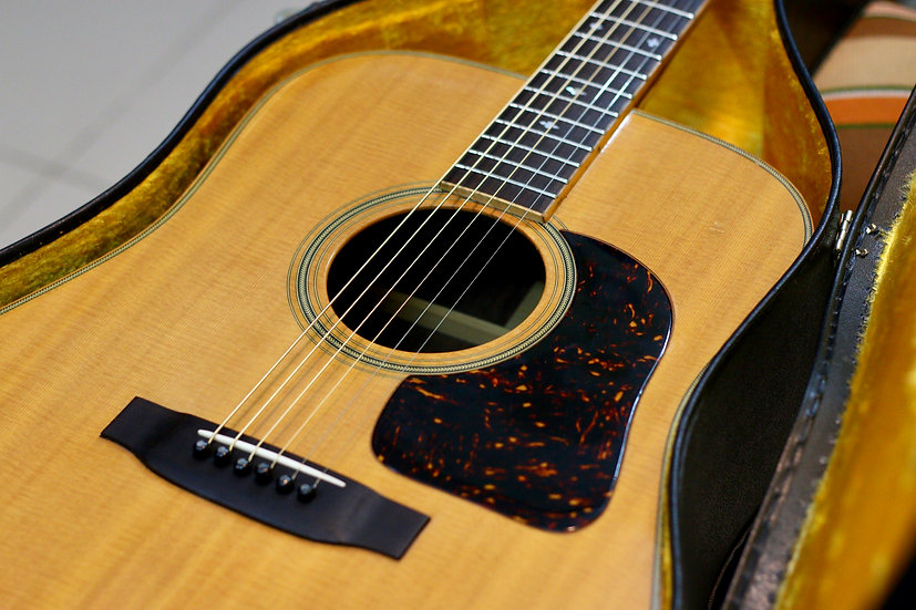 Guitar acoustic Takamine Elite TW30 top solid 1970s.