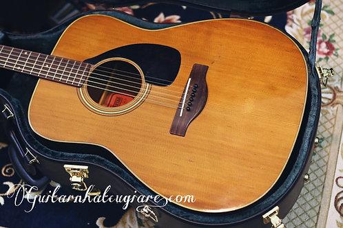 Guitar acoustic Yamaha FG180 tem đỏ năm 1960s .