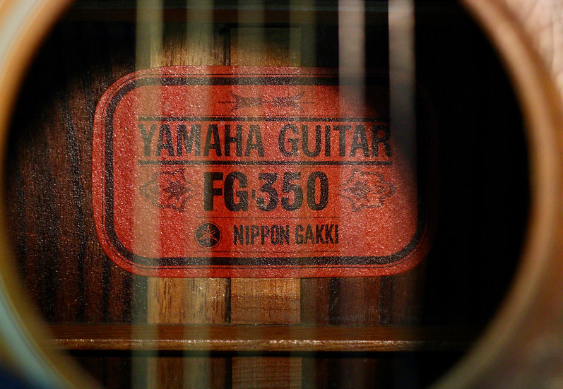 Guitar acoustic Yamaha FG350 red lable vintage 1970 .