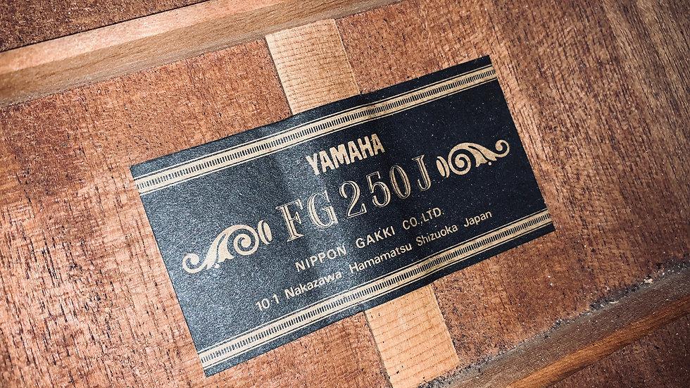Guitar Yamaha FG250J dòng nội địa 1970s còn 80%