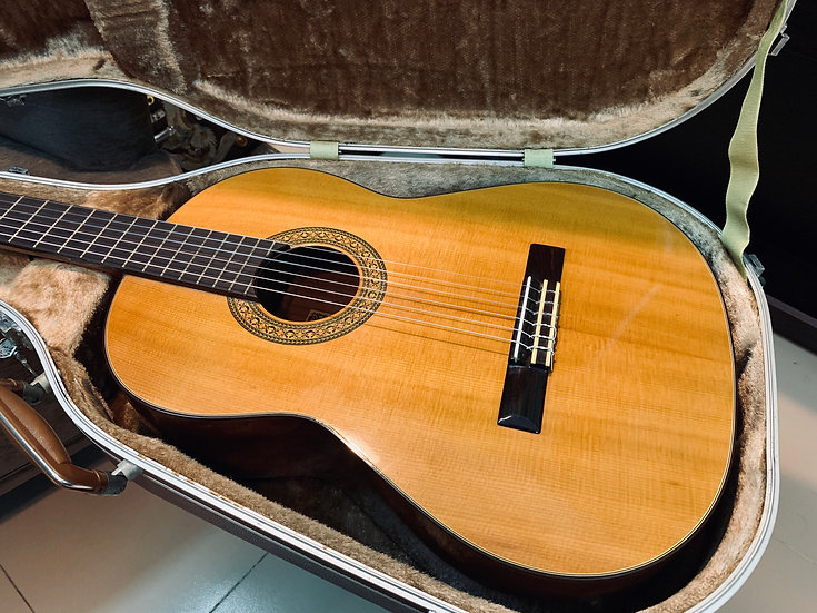 Guitar classic Kiso Suzuki G120 vintage 1970s .