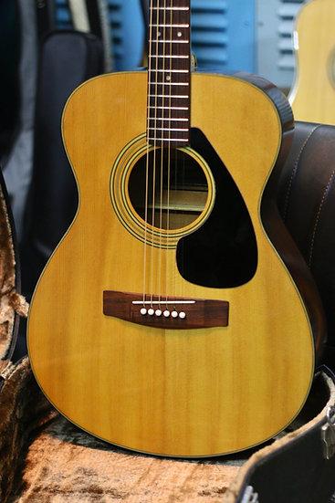 Guitar Yamaha FG150F vintage 1974.