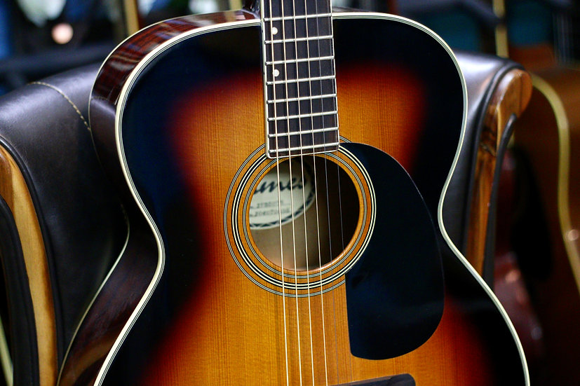 Guitar Acoustic James JF350 top solid .