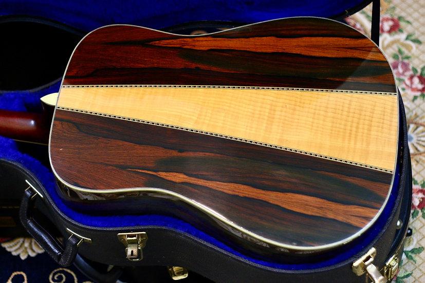 Guitar acoustic Morris W45 tem vuông Jacaranda năm 1975.