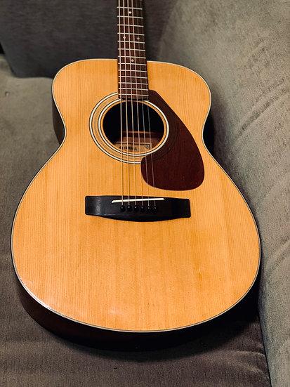Guitar acoustic Yamaha FG130 OM vintage 1970 .