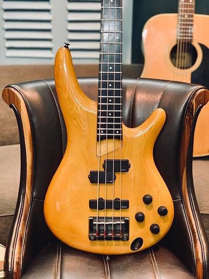 Guitar bassIbanez SDGR soundgearSR1000S LA.