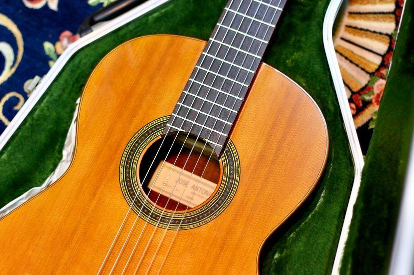 Jose Antonio 6C classic guitar .