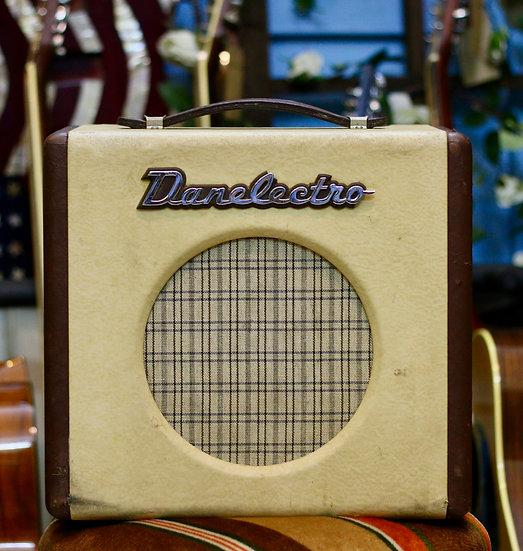 Loa ampli Danelectro Nifty Fifty cho e-guitar 1998 .
