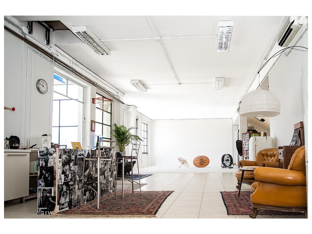 Photo Production Milano, Studio