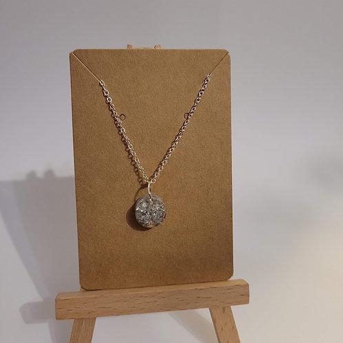 Dainty Silver Leaf Pendant Necklace