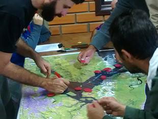"""""""Gafanhotos"""" concorrem com pescadores artesanais e comprometem a biodiversidade na Baía Babitonga, s"""