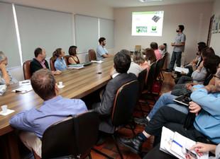 Projeto Babitonga Ativa envolve a AMUNESC em debate sobre a gestão da Baía Babitonga