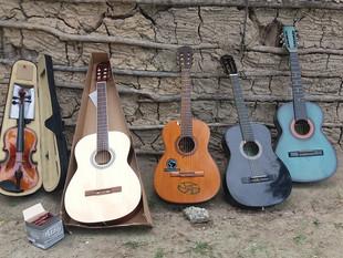 Coral infanto-juvenil indígena Guarani recebe doações de instrumentos musicais