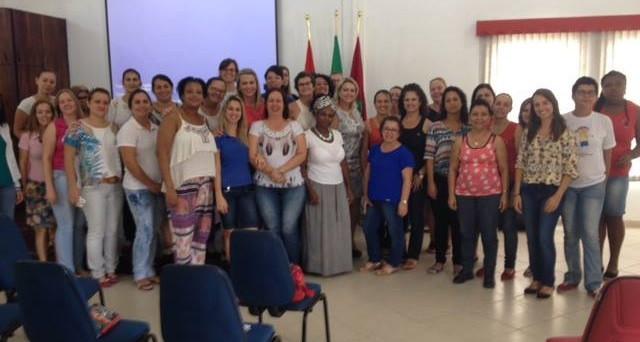 Reunião com professores e diretores escolares de Araquari