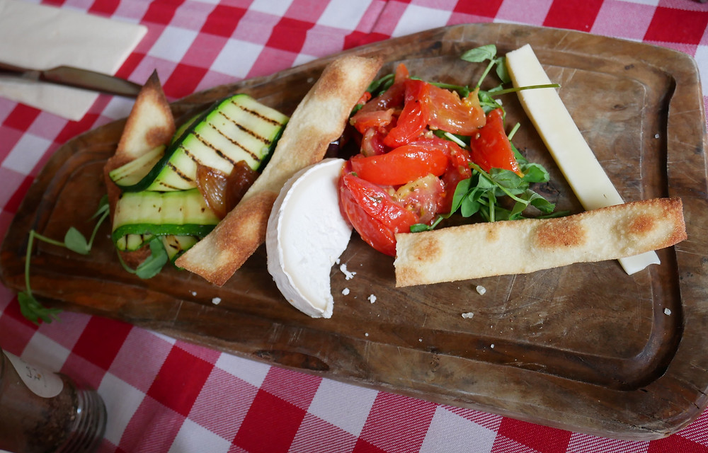 Goats cheese, tomatoes, courgettes, bread sticks