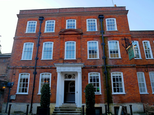 Eat and meander in Winchester