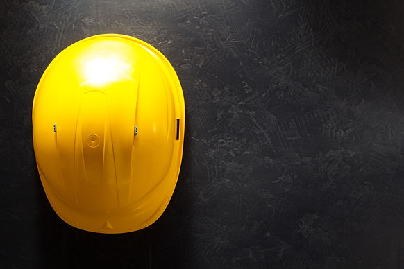 construction-helmet-on-black-PM2FFF7.jpg