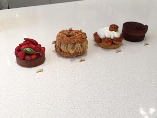 もちろんお菓子屋巡りもしています   in Paris