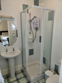 King Size Room Shower
