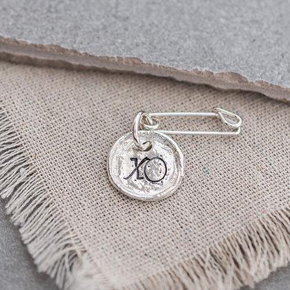 'XO' Pin | Sterling Silver