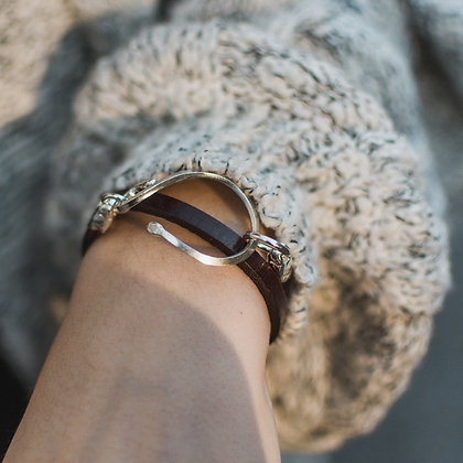 Stable Wrap in Chestnut   Sterling Silver