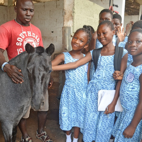 Ghana SPCA Takes Humane Ed Students on Field Trips (thanks to AKI donors)
