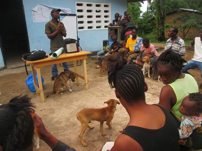 Abie speaking to dog owners