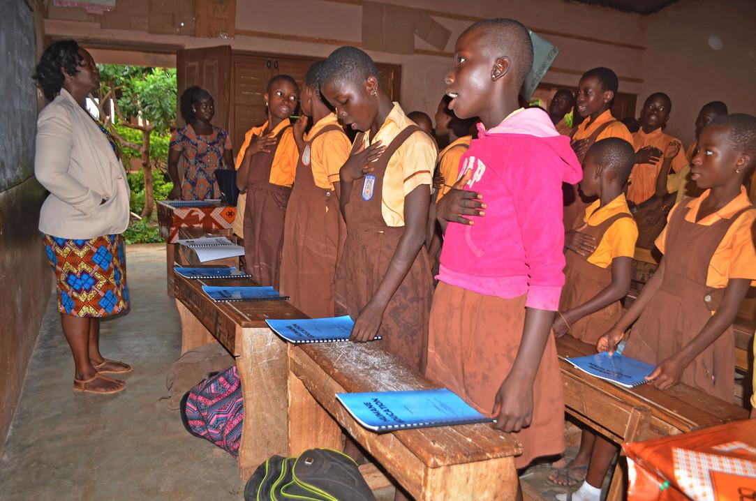 Pupils always recite Kindness club Pledge before lessons  (4).JPG