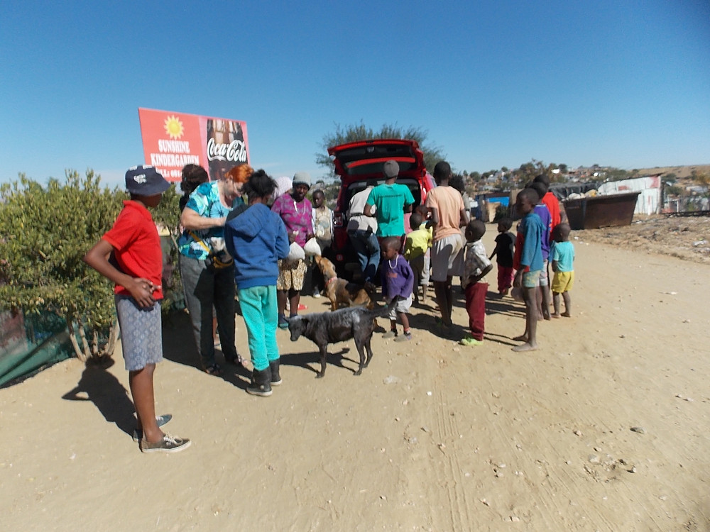 More and more people are showing up at the Katutura dipping and feeding visits