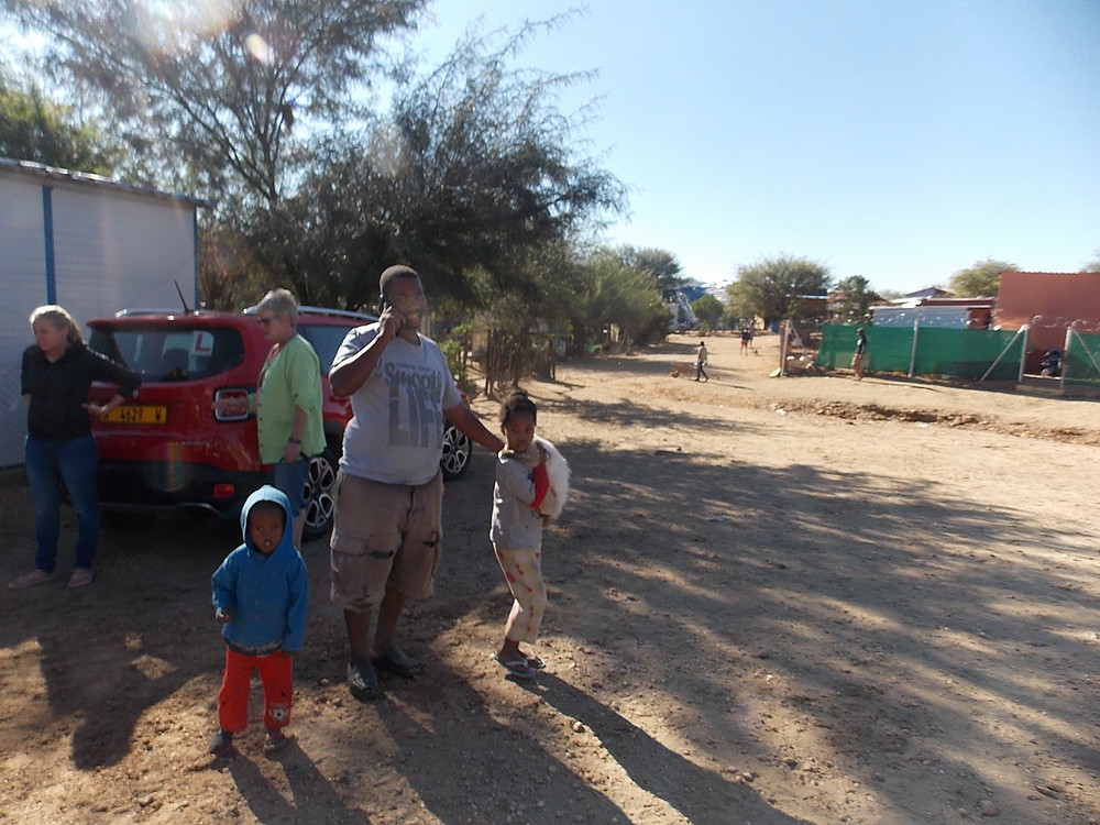Feeding & dipping day in Katutura is a family affair!
